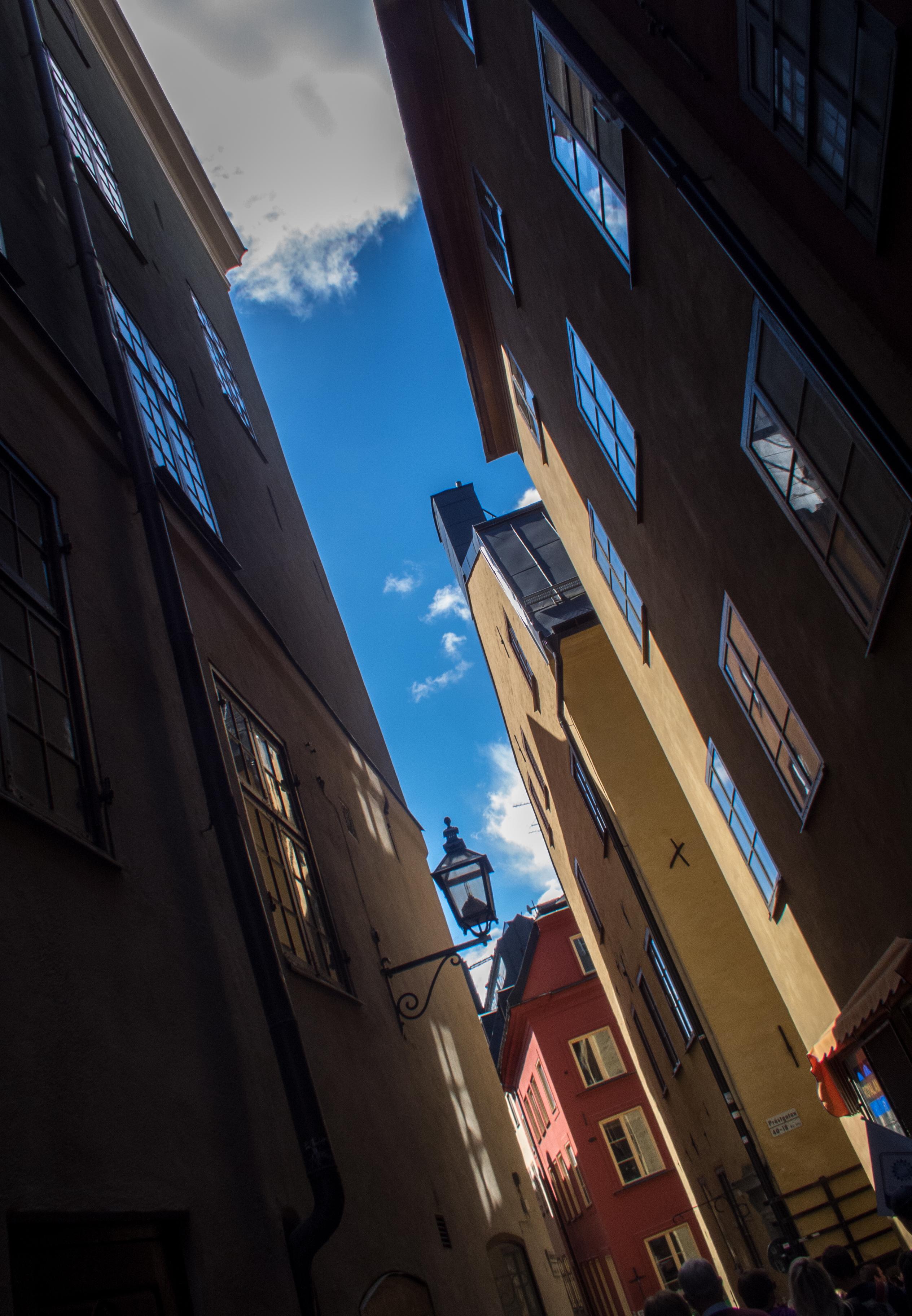 Sweden 482