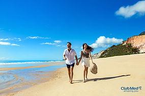 Club med Trancoso casal praia.jpg