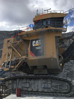 CAT 7495 Right Side View