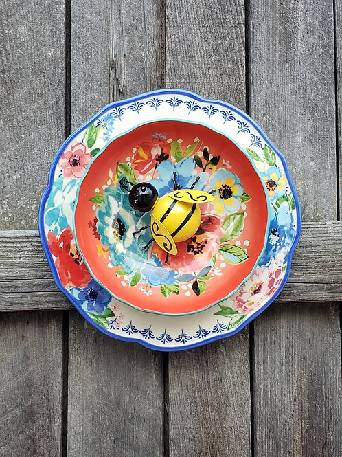 Red Bowl Big Bee