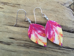 Hand Drawn Pink Leaves #E62