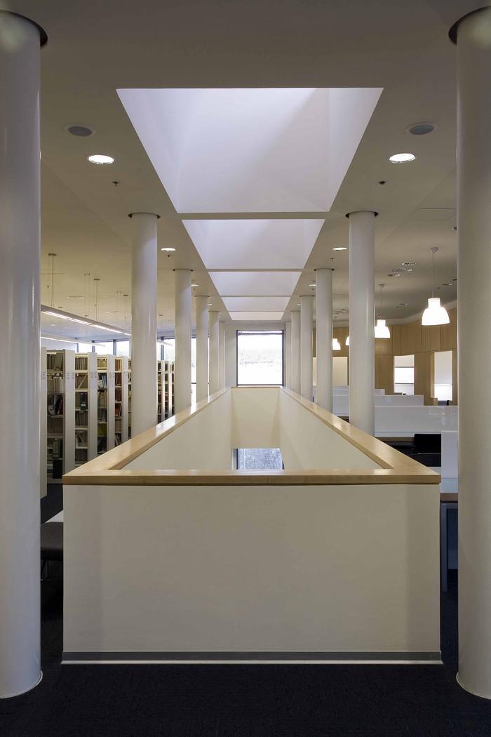 ספריית מקס שטרן,מכללת עמק יזרעאל
