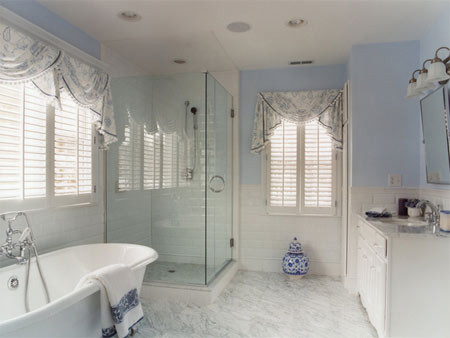 spacious decluttered bathroom with Spa appeal