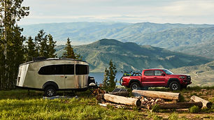 Airstream-Basecamp-20-Lifestyle-Mountain