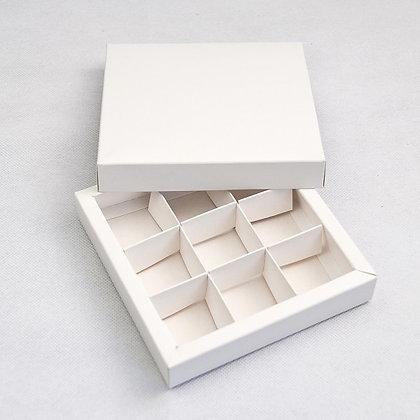 Коробка для конфет 9 ячеек с окном, белая