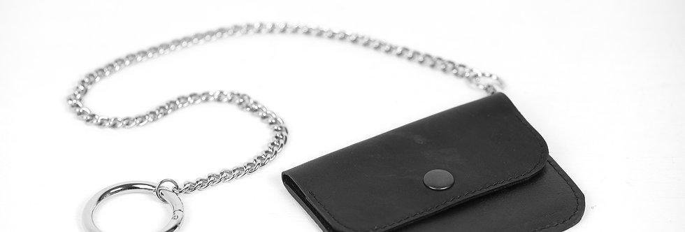Кожаный кошелёк на цепочке с карабином
