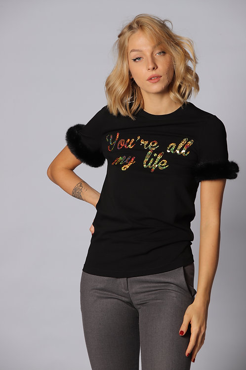 T-shirt con pelliccia