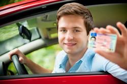 Jeune-conducteur-permis-conduire