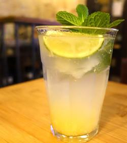 Cocktail maison Mojito à la citronnelle (créé en 2010)