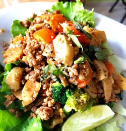 Porc sauté au basilic thaï
