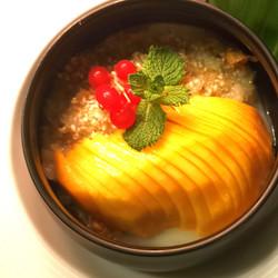 Riz gluant à la mangue fraîche