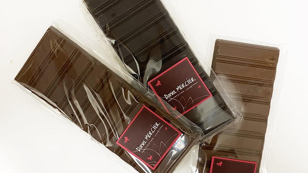 Tablette de chocolat noir, lait ou lait sans sucre