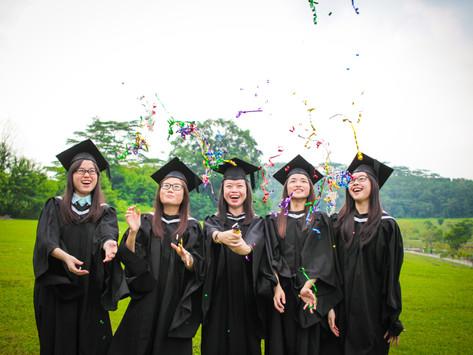 Photoshoot with SIM graduates!