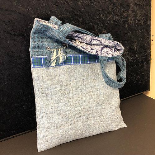 Lined tweed bag