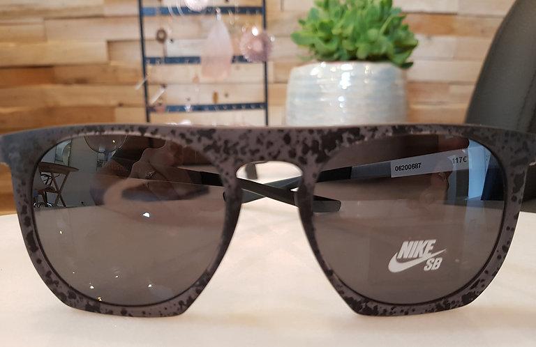 Nike EV1115