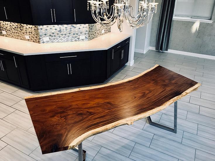 Parota | Dining Table
