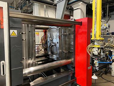 Pressa stampaggio iniezione materie plastiche