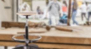 labor sgabello wood con sfondo.jpg