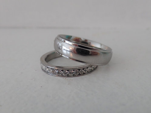 handcrafted personalized rings: shiny silver