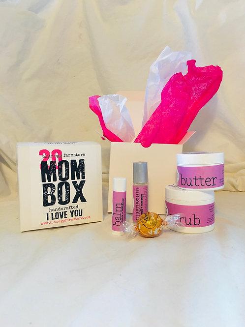 mom box: I love you