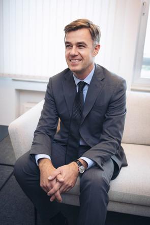 Portrait-Fayot-minister-economics