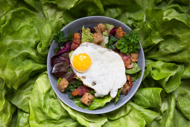 salad-egg-bacon-crouton