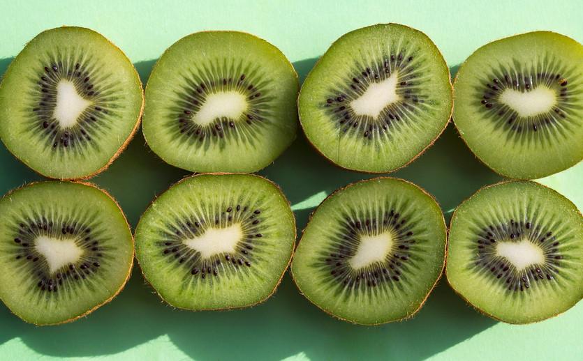 Kiwi on green