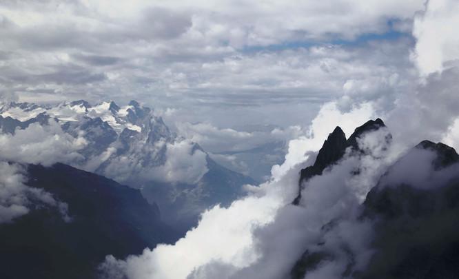 Switzerland-travel--mountains-2.jpg