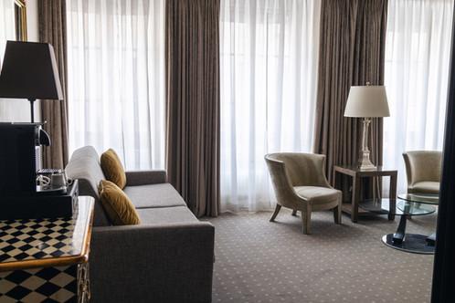 Hotel-le-place-darmes.jpg