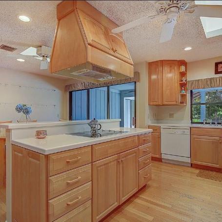 old kitchen.JPG