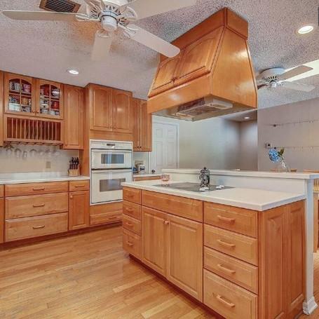 old kitchen 3.JPG