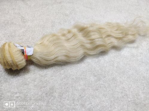 613 Blonde wavy hair extensions