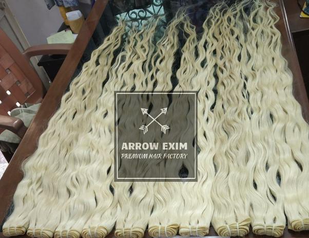 613 Blonde wavy hair extensions.jpeg