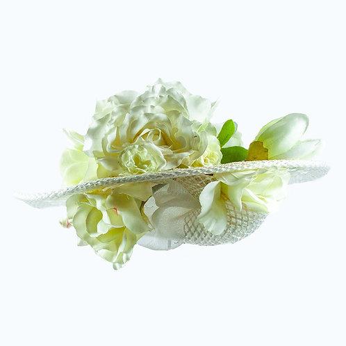 Witte dameshoed van geweven rafia met zijdebloemen
