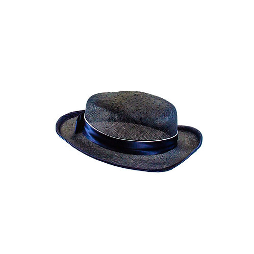 Stemmige hoed met een vrolijke noot
