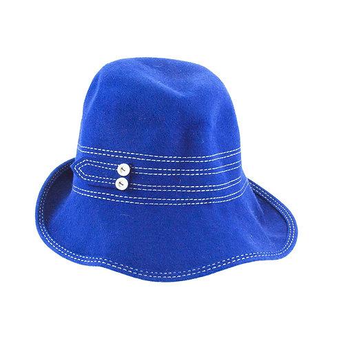 Mooi blauw is niet lelijk dit hoedje maakt ieder kostuum vrolijk