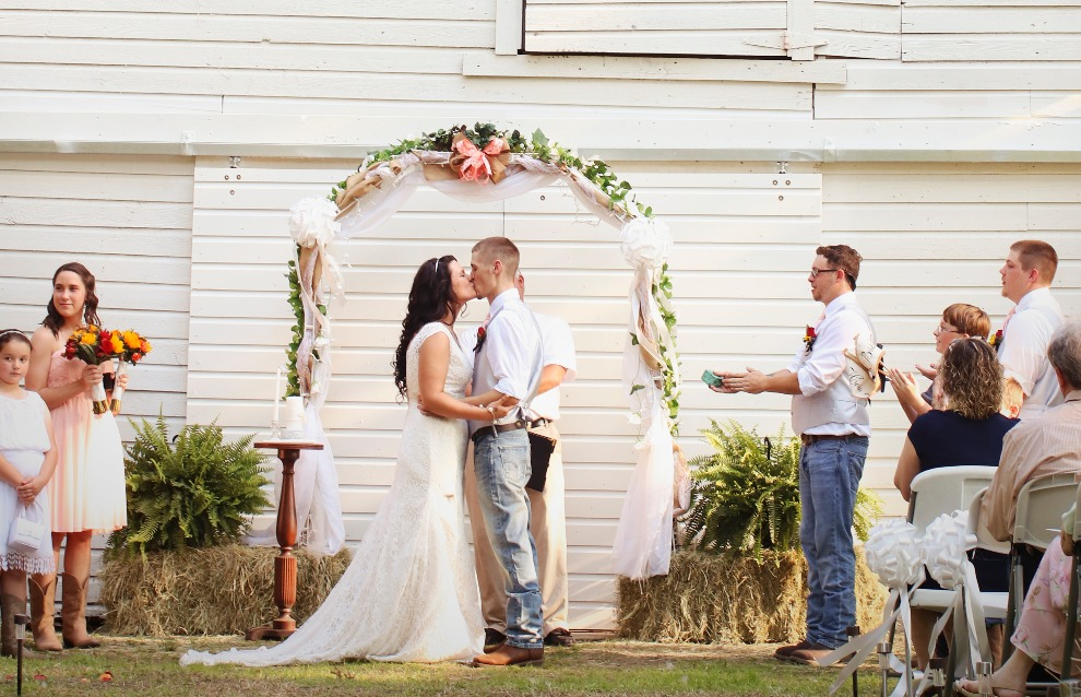 Pine Log Plantatoin Wedding Photos Hison (1)_edited