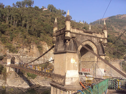 Victoria_Bridge_Mandi.JPG