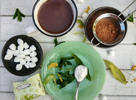 Hot chocolate with mint and linden