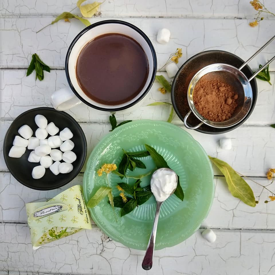 Hot chocolate with mint and linden from FloralTea