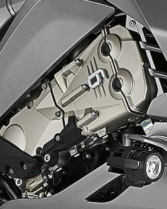 Pionero: motor de 6 cilindros en línea