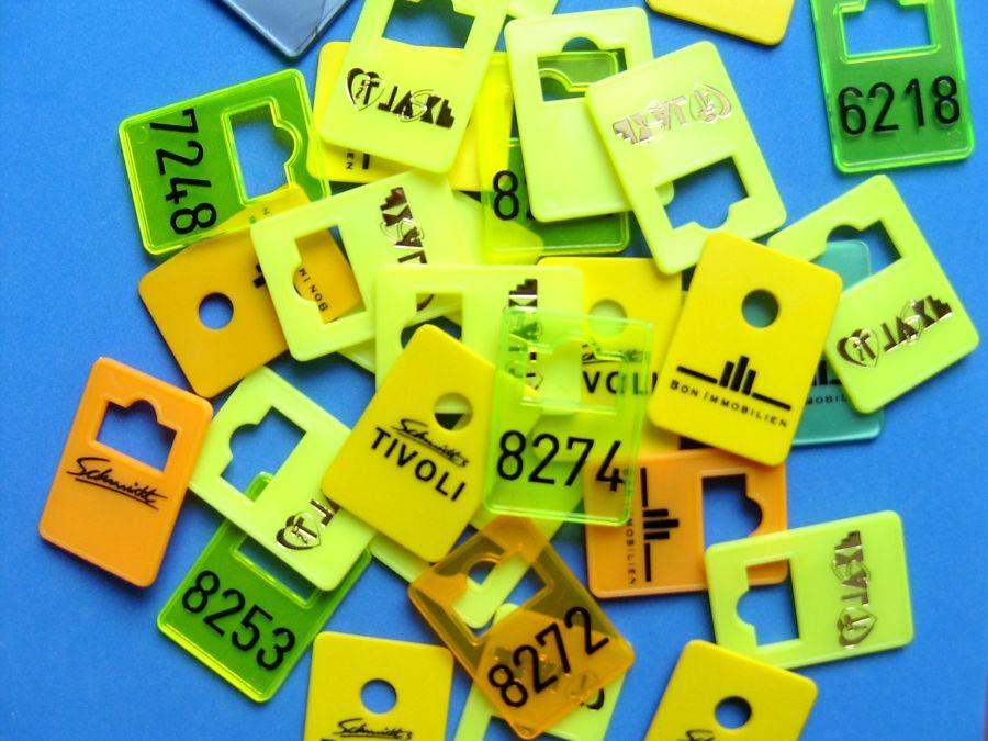 Garderobenmarken aus Kunststoff