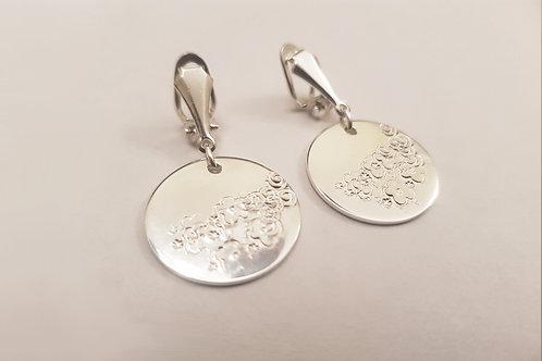 Flower Patterned Coin Clip On Earring | KVD11037