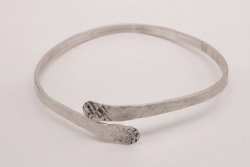Sterling Silver criss-crossed hammered bracelet