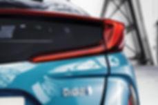 2016-toyota-prius-plug-in-hybrid-06.jpg
