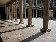 1200px-La_Nau_Universitat_de_València_Claustre.jpg