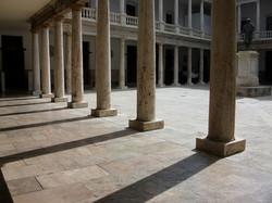 1200px-La_Nau_Universitat_de_València_Cl