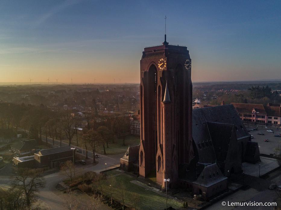 2019Feb13 Mine-Cathedral, St-Barbara [M]