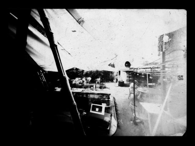 Photographie au sténopé sur papier argentique noir et blanc