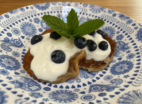 No added sugar pancakes topped with blueberries